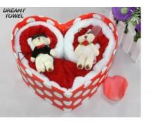 Жених и невеста в коробке